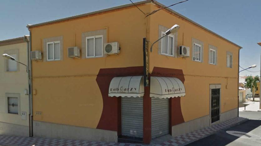 Pub en alquiler Bagíjar